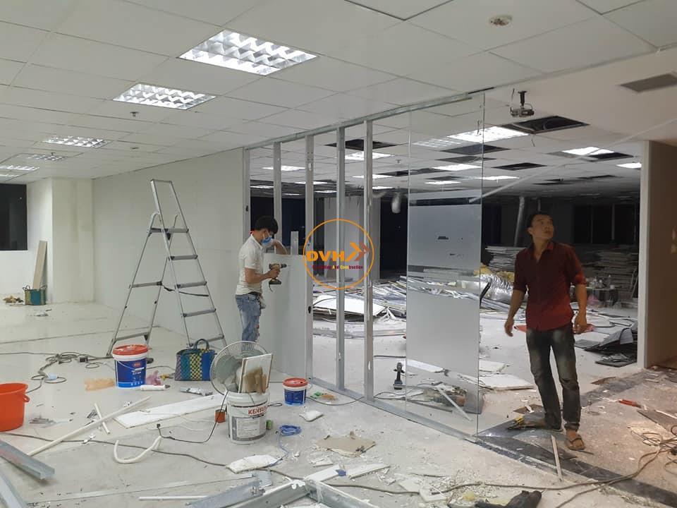 Thi công làm vách ngăn phòng, thi công cải tạo lại văn phòng nơi làm việc