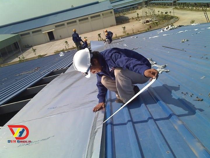 Thay lợp mái tôn nhà xưởng giá rẻ chất lượng