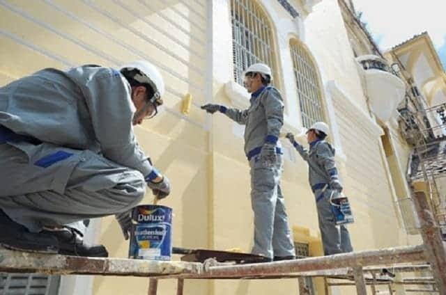 Đội ngũ thợ sơn sửa lại nhà nhiều năm kinh nghiệm