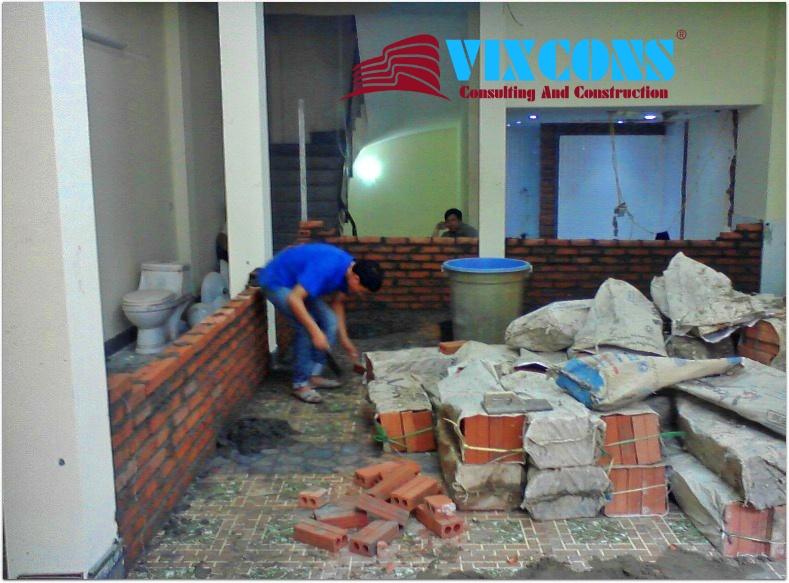 Đội ngũ công nhân chăm chỉ, nhiệt tình, chịu khó, có nhiều năm kinh nghiệm trong lĩnh vực sửa chữa nâng cấp nhà