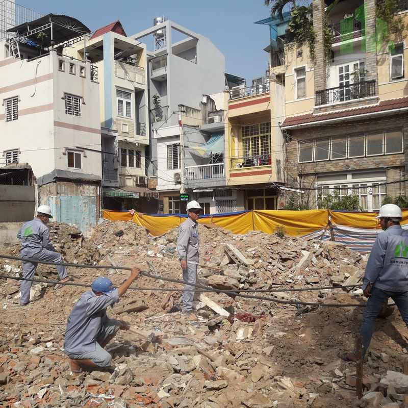 Chúng tôi nhận phá bỏ, tháo dỡ công trình cũ, làm móng, nền nhà mới