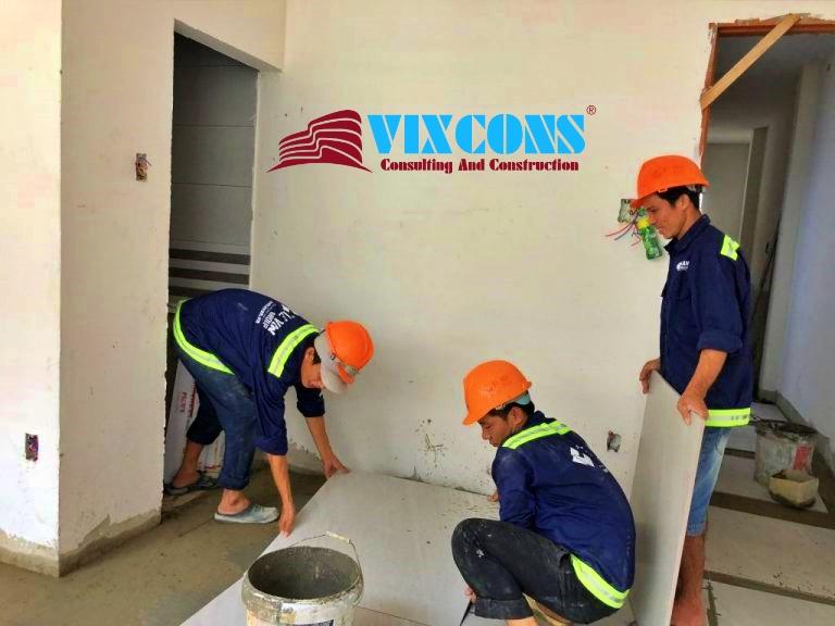 Đội ngũ công nhân chuyên nghiệp, nhiệt tình, có nhiều năm trong nâng cấp, sửa chữa nhà cũ
